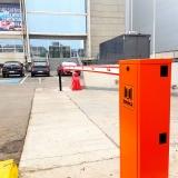 barrera-lady-5-beninca-en-estacionamiento