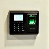 control-de-acceso-con-lector-biometrico
