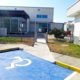 puerta-minusvalido-acceso-discapacitados-renault