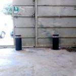 Bolardos levadizos instalados en la empresa IIA
