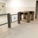 instalacion-torniquetes-automatismos-lau-en-hospital-antofagasta