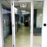 puerta-de-vidrio-con-apertura-biometrica