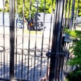 puerta-peatonal-automatismos-lau-en-union-franceses-chile